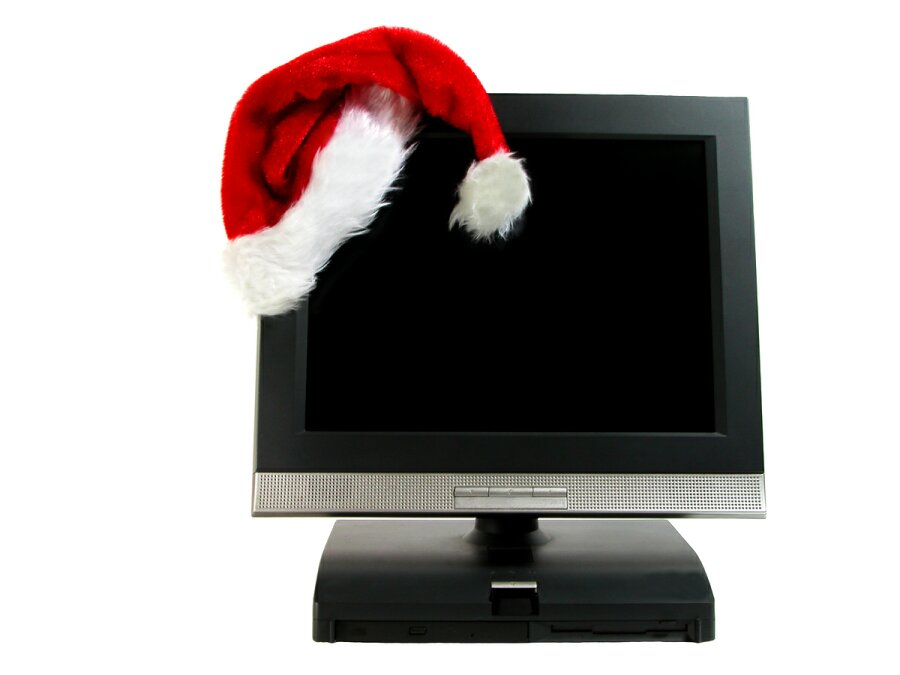 ' ' from the web at 'http://www.allthingschristmas.com/pics/christmas-downloads1.jpg'