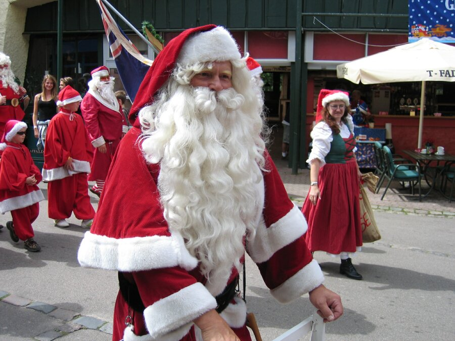 http://www.allthingschristmas.com/pics/santa-claus-congressb1.jpg