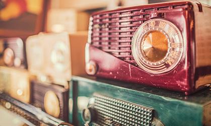 Christmas Radio Stations - Featured