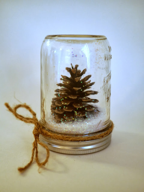 Easy Christmas Crafts - Pine Cone Crafts
