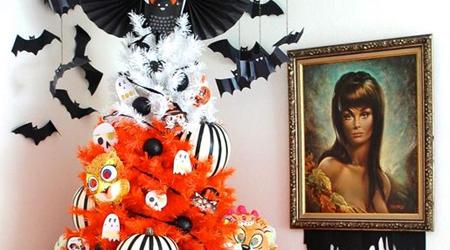 HalloweenChristmasTreeFeatured