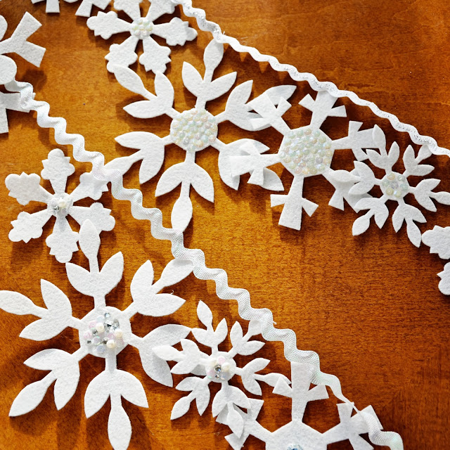 Best Snowflake Christmas Crafts for Kids