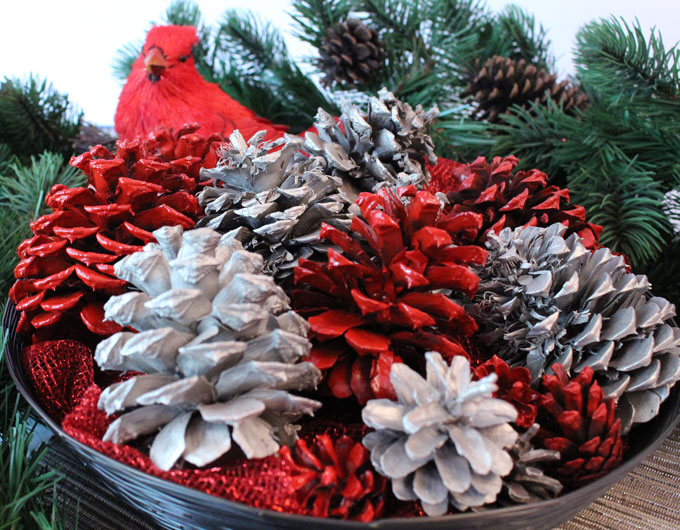 DIY Painted Pine Cones