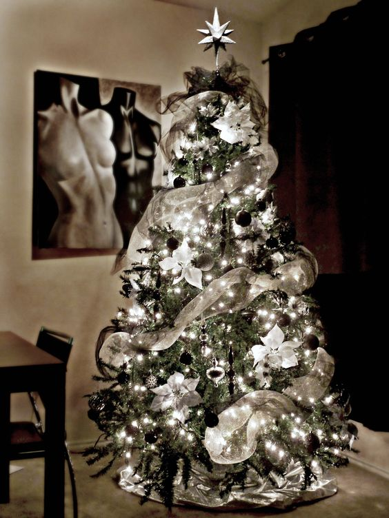 Best Halloween Christmas Tree Ideas 1 - Black and White Christmas Tree