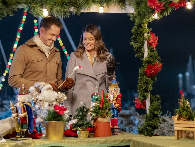 Bramble House Christmas.Hallmark M M Christmas In July 2019 Full Schedule Updated