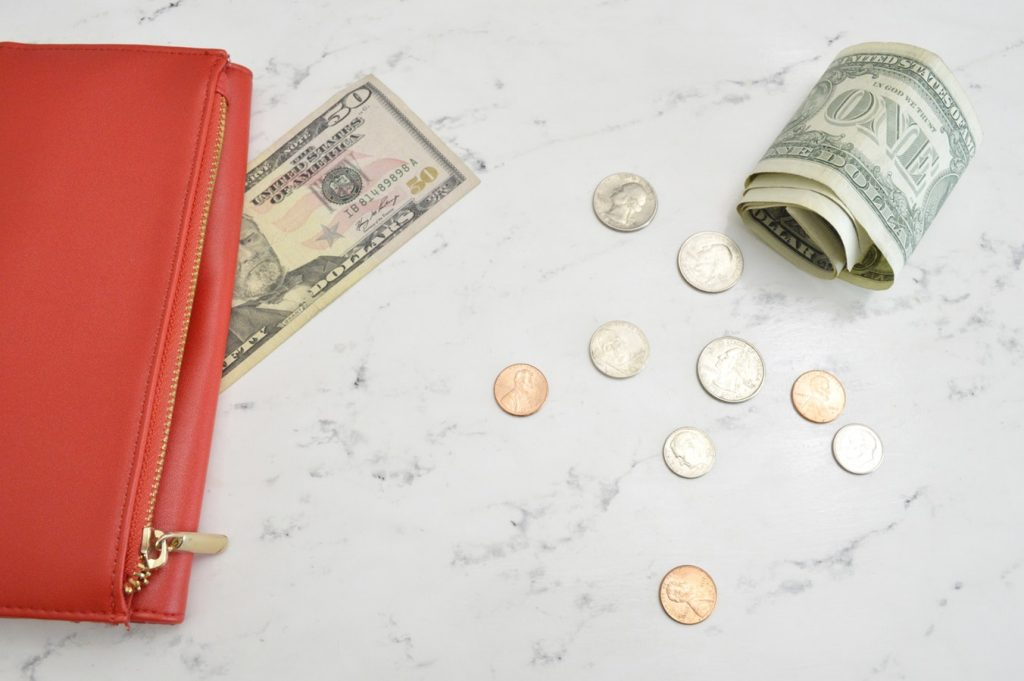 Christmas Money Saving Tips for the Whole Year