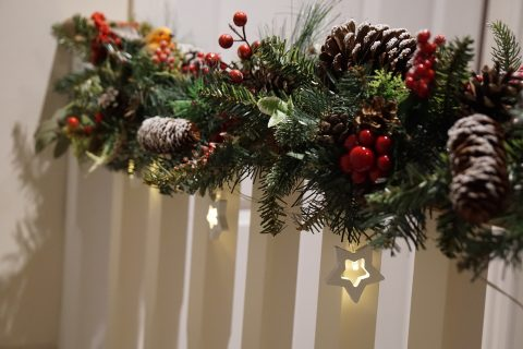 DIY Decorations: Create your own Christmas Garland