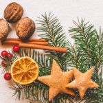 Christmas Cookie Recipe: German Cinnamon Stars (Zimtsterne)